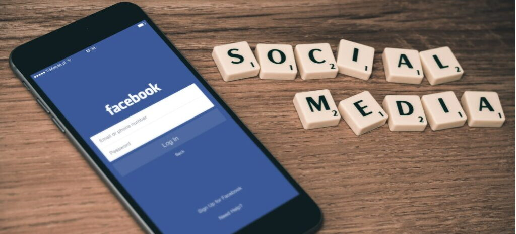 Read more about the article How to Hack a Facebook Account (Full Guide 2021)