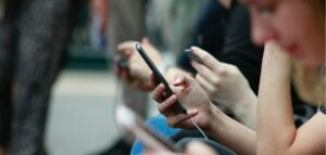 15 Best Apps to Track a Cell Phone Location Online for Free