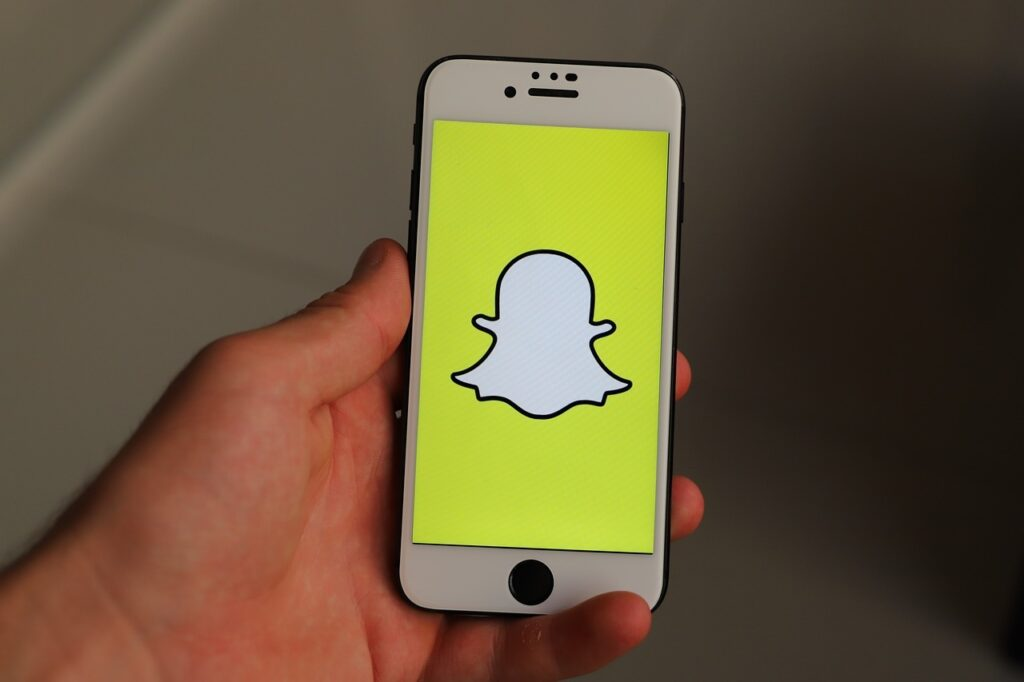 Read more about the article Top 8 Apps to Monitor Snapchat on iPhone [2021]